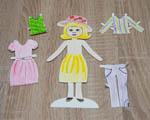 Panenka s oblečením