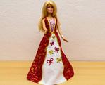 Vyšívané šaty na Barbie